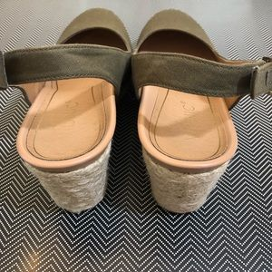 5bf933a1007 Vionic   Coralina Wedge in Olive